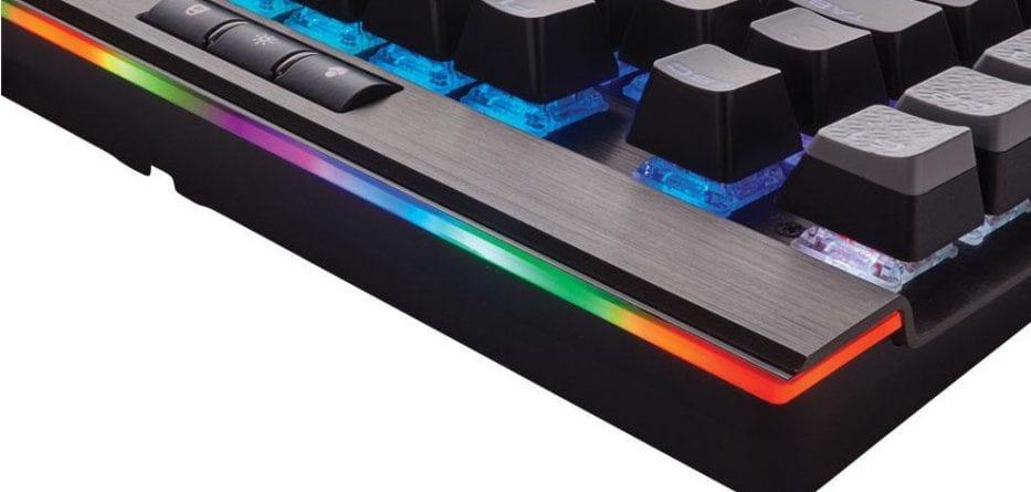corsair k95 platinum02 933x445 - Corsair annuncia la tastiera K95 RGB Platinum
