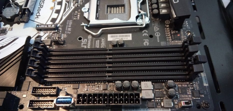 ASRockTaichSlotRam FILEminimizer 933x445 - ASRock Z270 Taichi - Recensione