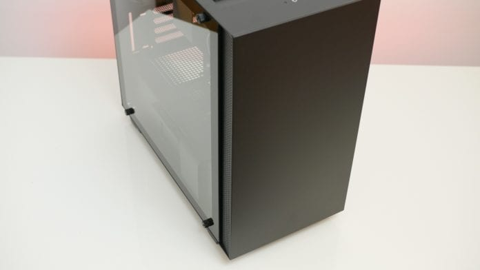 NZXT H400i recensione 3 696x392 - NZXT H400i - Recensione