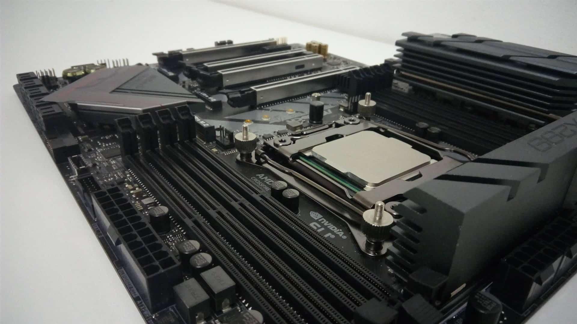 ASRock Fatal1ty X299 Pro Gaming i9 XE SLOT RAM - ASRock Fatal1ty X299 Pro Gaming i9 XE Recensione