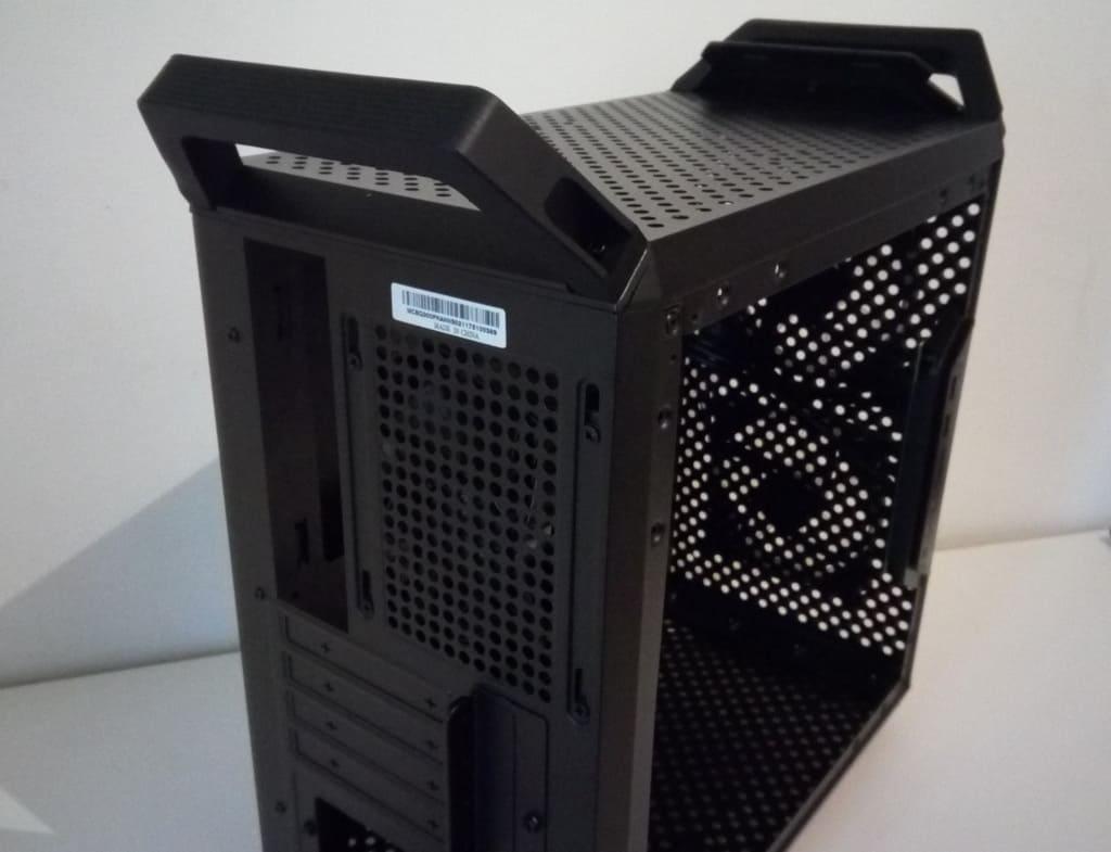 CM Q300P Particolare FILEminimizer - Case Cooler Master MasterBox Q300P - Recensione