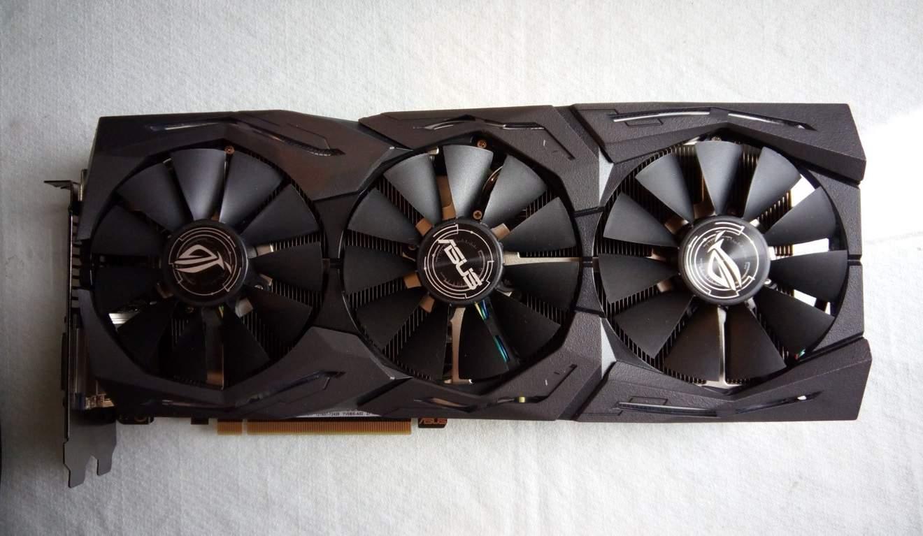 Asus ROG 1070 Ti Front - Asus ROG Strix GTX 1070 Ti - Recensione
