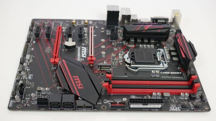 MSI H370 GAMING PLUS recensione 2 696x392 - MSI H370 GAMING PLUS - Recensione
