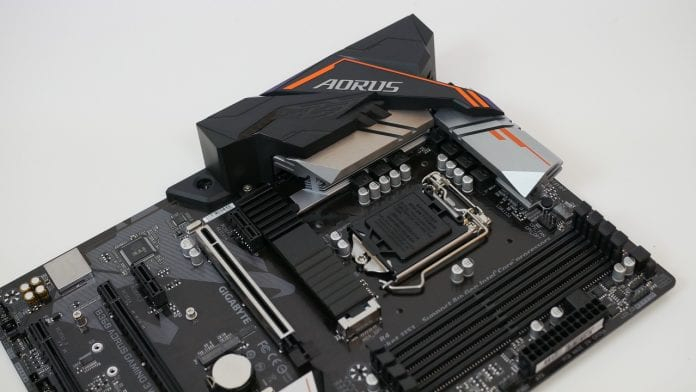 GIGABYTE B360 AORUS Gaming 3 WiFi Recensione 9 696x392 - GIGABYTE B360 AORUS Gaming 3 WiFi Recensione