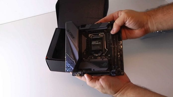 ASUS Z390 STRIX PRIME 7 696x392 - ASUS ROG STRIX Z390-I e PRIME Z390-A in foto