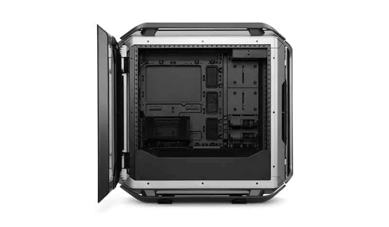 cosmos c700m 3 - Cooler Master presenta il case COSMOS C700M