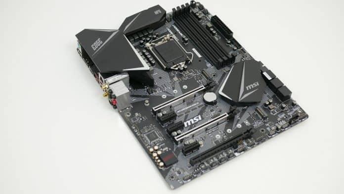 MSI MPG Z390 Gaming Pro Carbon Recensione 3 696x392 - MSI MPG Z390 Gaming EDGE AC - Recensione
