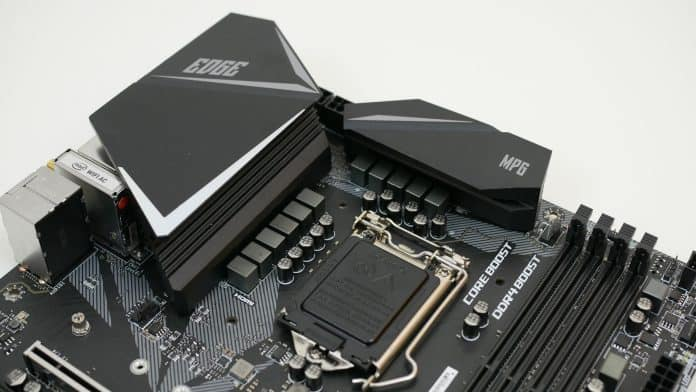 MSI MPG Z390 Gaming Pro Carbon Recensione 8 696x392 - MSI MPG Z390 Gaming EDGE AC - Recensione