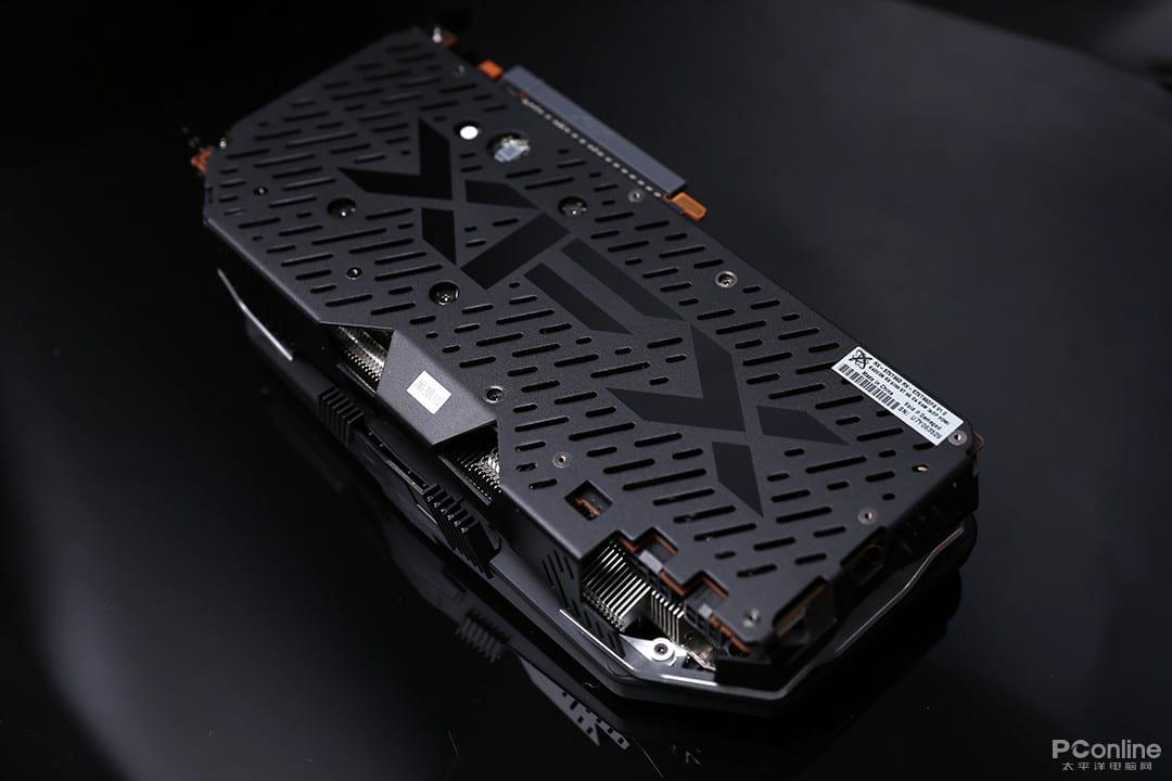 , Radeon RX 5700 XT: le custom costeranno 399$, la versione XFX in foto