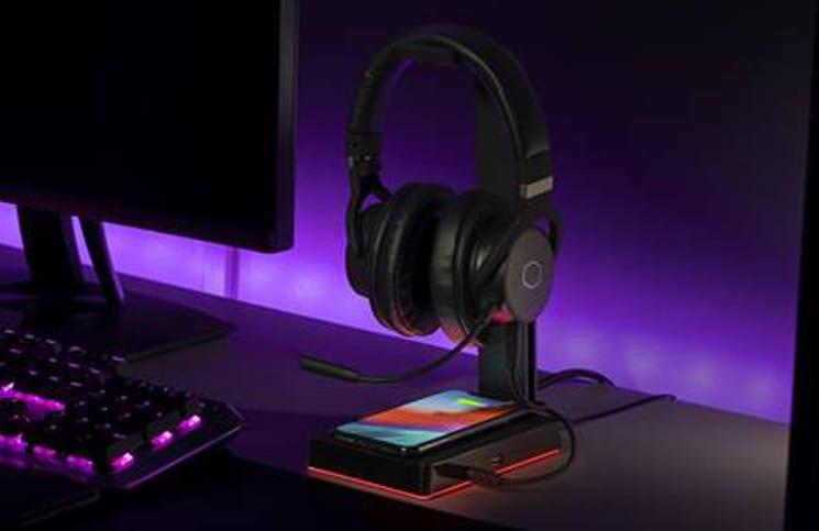 , Cooler Master presenta GS750, hub USB con supporto cuffie e ricarica wireless